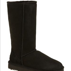 New in box size 7 UGG Classic Tall II boots black